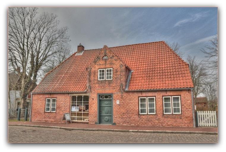 Haus Peters Straßenseite, Dörpstraat, Kaufmannsladen, Tetenbüll